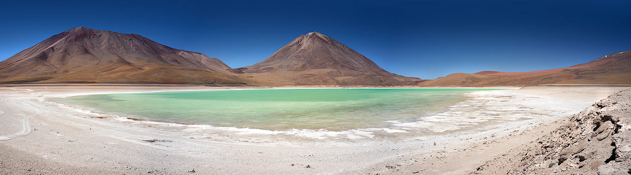 Laguna Verde - the perfect backdrop for a panoramic photo