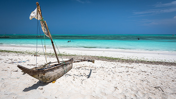 The sea in Zanzibar, as warm as a bathtub